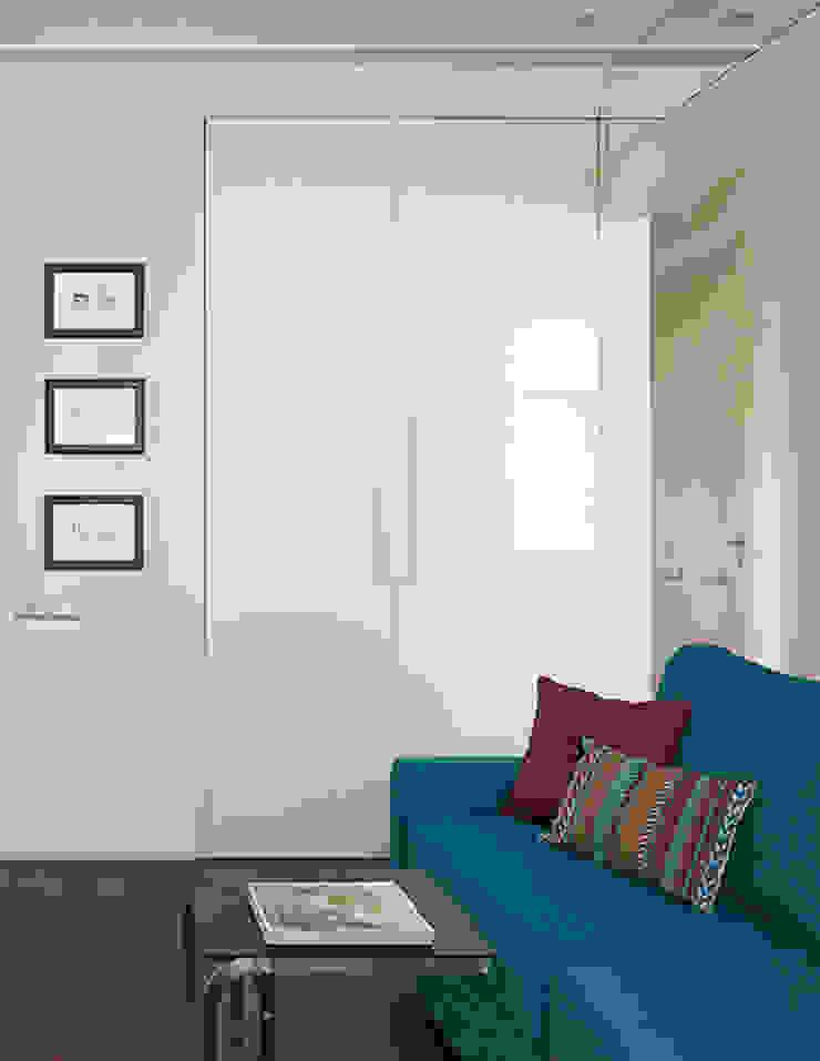 Marina Pennie Design&Art Study/office Beige