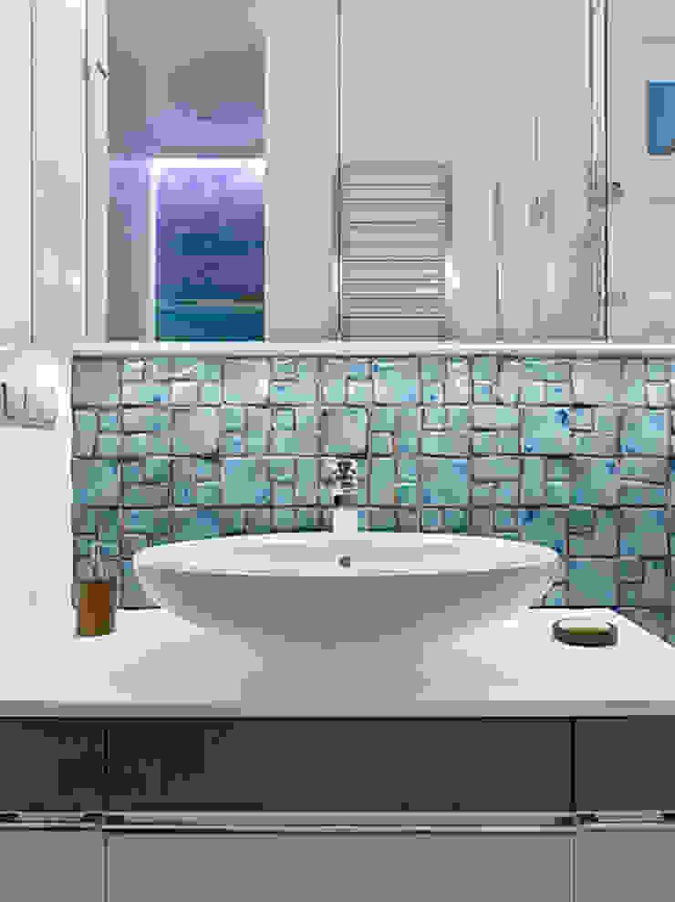 Marina Pennie Design&Art Eclectic style bathroom Blue