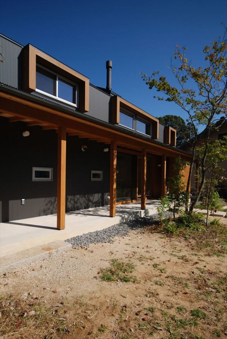 Minimalist houses by 神谷建築スタジオ Minimalist