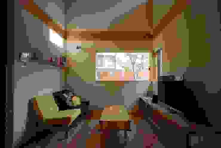 神谷建築スタジオ Livings de estilo ecléctico
