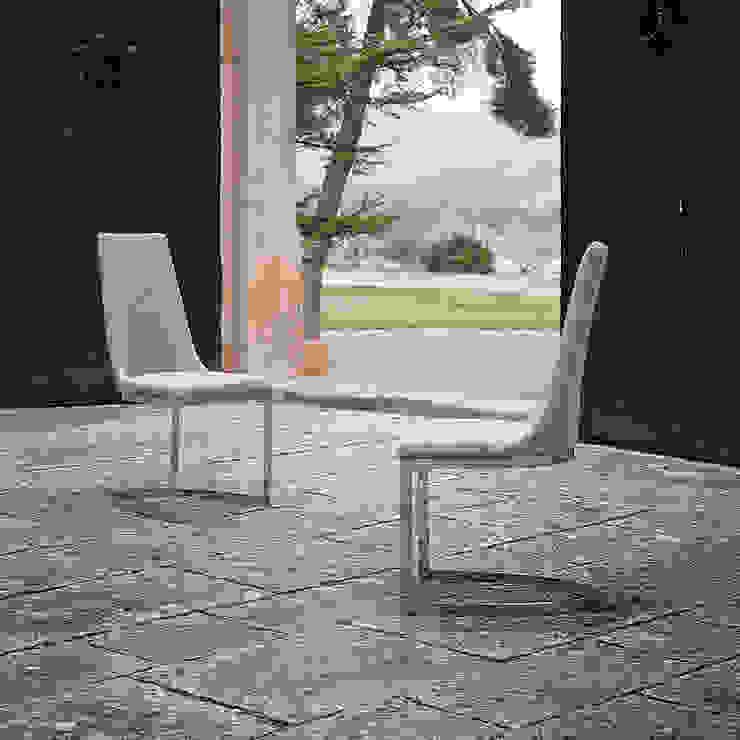 di Intense mobiliário e interiores Moderno
