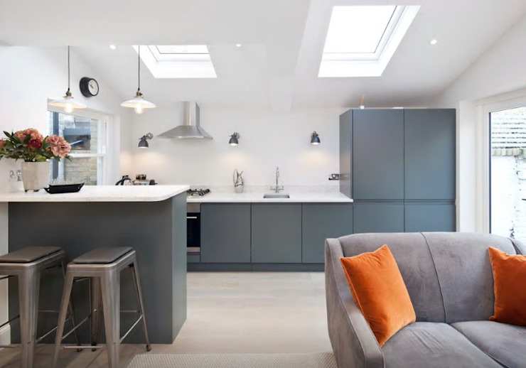 Handleless Kitchen Finished In Farrow & Ball Downpipe:  Kitchen by Just Click Kitchens,