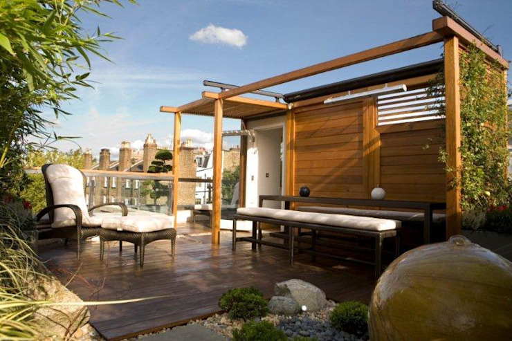 Bespoke Pergola with Automatic rain/sun awning GreenlinesDesign Ltd Modern garden Solid Wood
