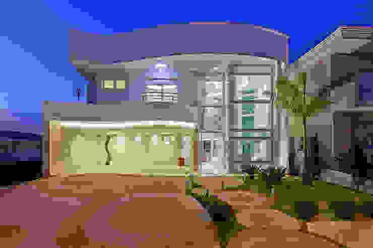 Casas modernas: Ideas, diseños y decoración de Arquiteto Aquiles Nícolas Kílaris Moderno
