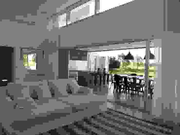 Minimalist living room by MARIA NIGRO ARQUITECTA Minimalist