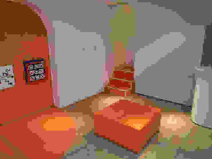 Local comercial destinado a publico infantil Oficinas y tiendas de estilo moderno de Sml Design Moderno