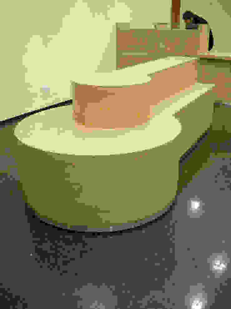 Diseño y realización de Muebles a medida Oficinas y comercios de estilo minimalista de Sml Design Minimalista