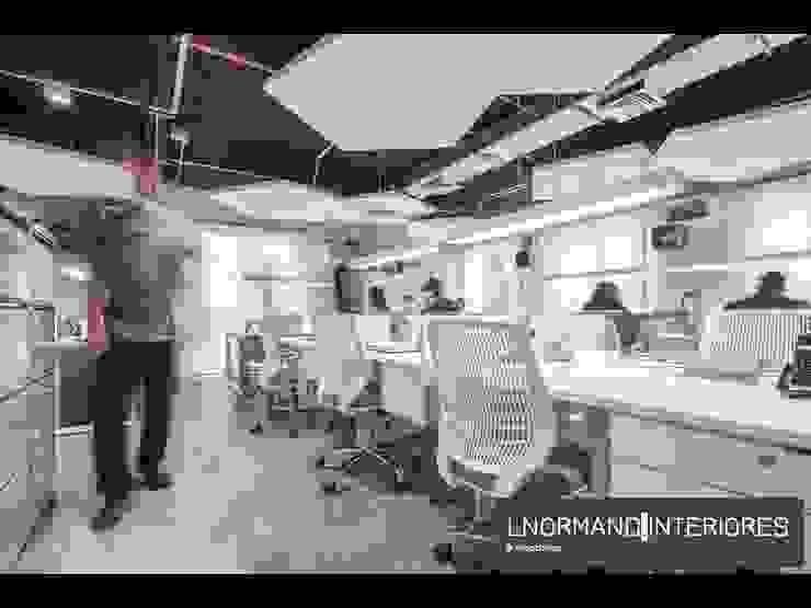 Espaço de Trabalho com forro aparente Lnormand Interiores Lojas & Imóveis comerciais industriais Multi colorido