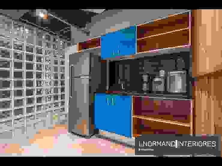 Copa com marcenaria leve e azulejos metrô Lnormand Interiores Lojas & Imóveis comerciais industriais MDF Azul