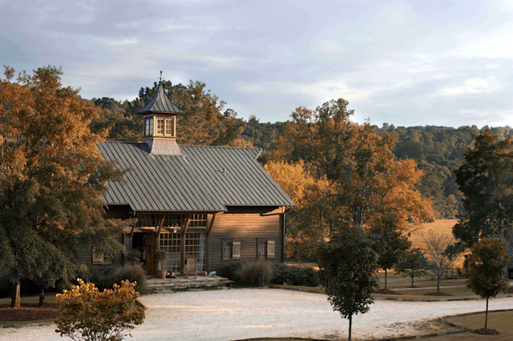 Luxury Barn Country style house by Jeffrey Dungan Architects Country Wood Wood effect