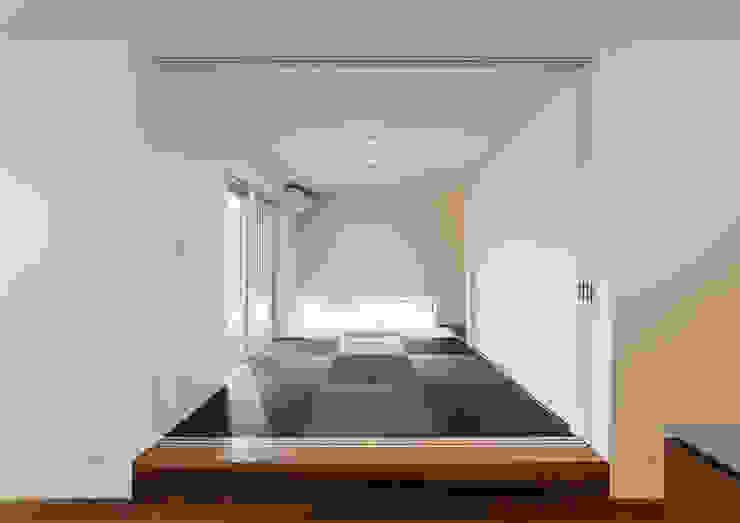 Moderner Multimedia-Raum von 中村建築研究室 エヌラボ(n-lab) Modern Holz Holznachbildung