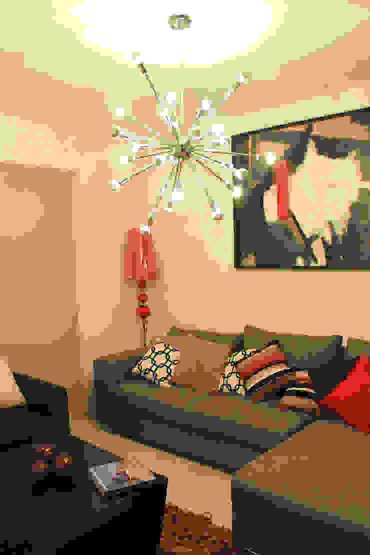 Diseño interior sala 3 de Constructora Asvial - Desarrollador Inmobiliario Moderno Cuero sintético Metálico/Plateado