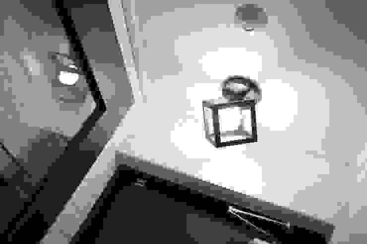 현관 모던스타일 복도, 현관 & 계단 by inark [인아크 건축 설계 디자인] 모던 알루미늄 / 아연
