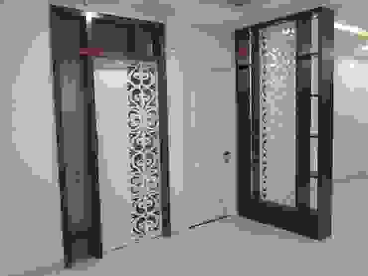 pooja door Modern living room by Bluebell Interiors Modern MDF