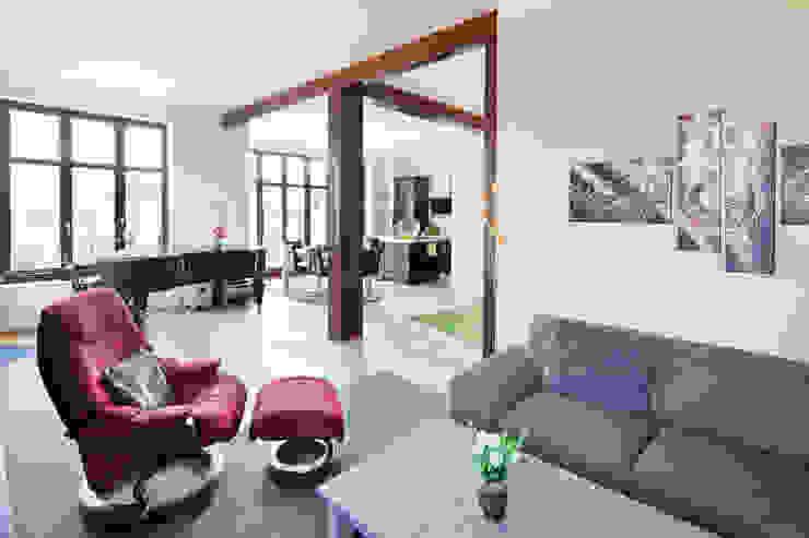 Гостиная в классическом стиле от Müllers Büro Классический