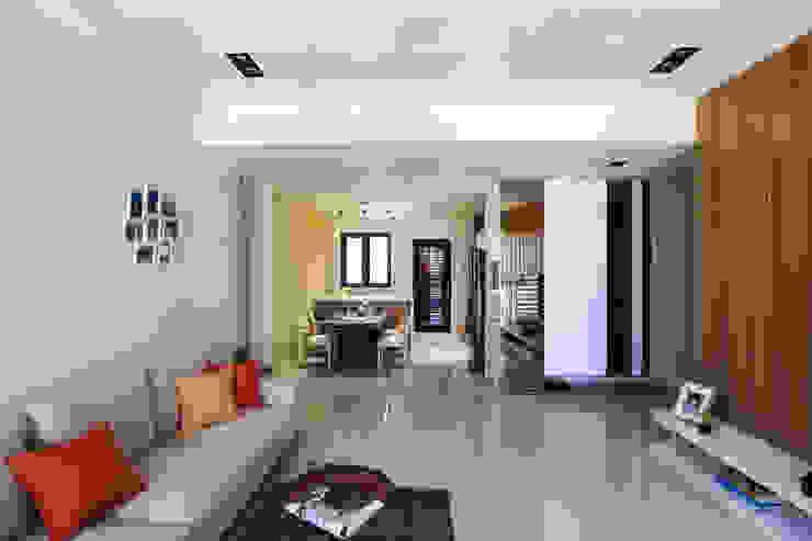 有溫度的木意居家生活 根據 微自然室內裝修設計有限公司 現代風