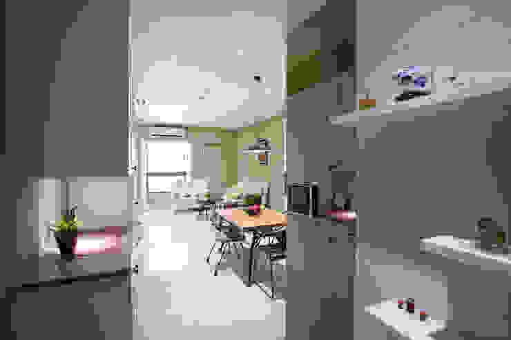 鄉村優雅宅 乡村风格的走廊,走廊和楼梯 根據 微自然室內裝修設計有限公司 鄉村風