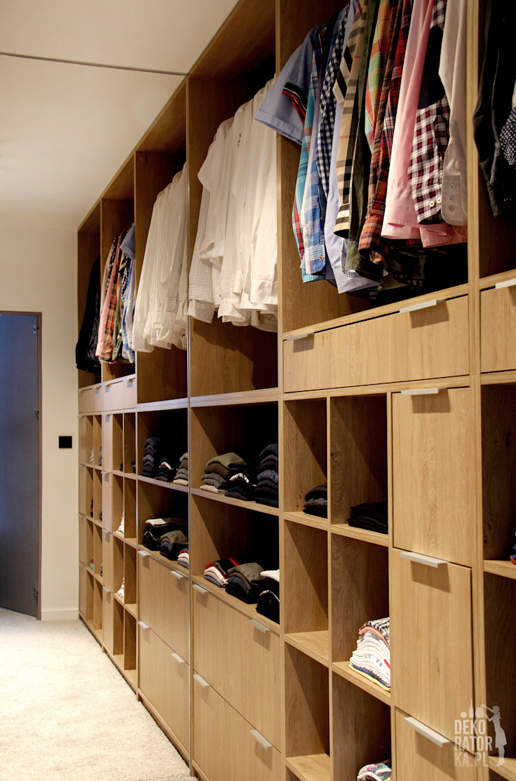 Modern dressing room by dekoratorka.pl Modern