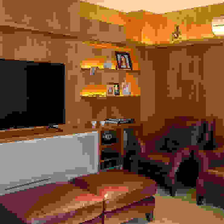HomeTheater Lnormand Interiores Salas multimídia modernas MDF Efeito de madeira