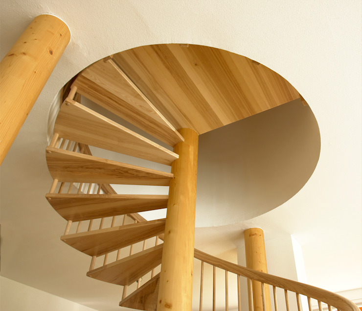 Pasillos, vestíbulos y escaleras de estilo clásico de Müllers Büro Clásico