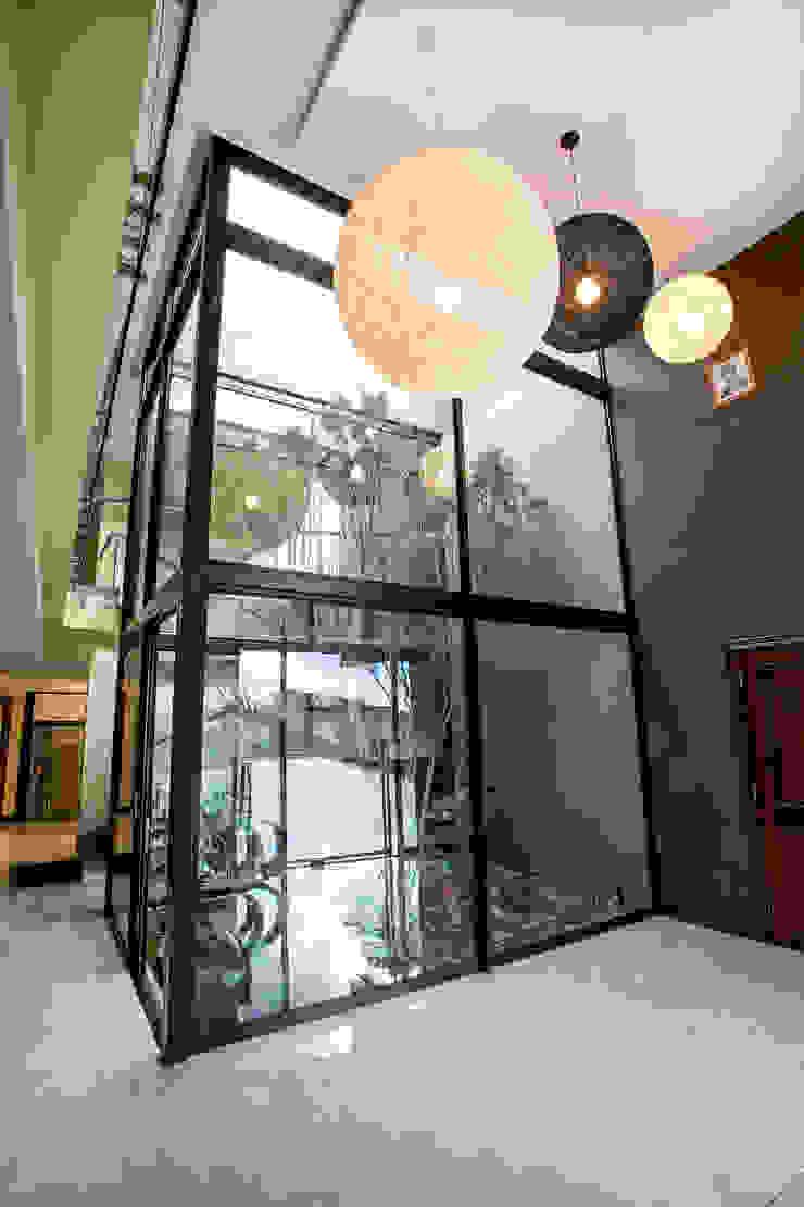 Residence Harris Modern windows & doors by FRANCOIS MARAIS ARCHITECTS Modern