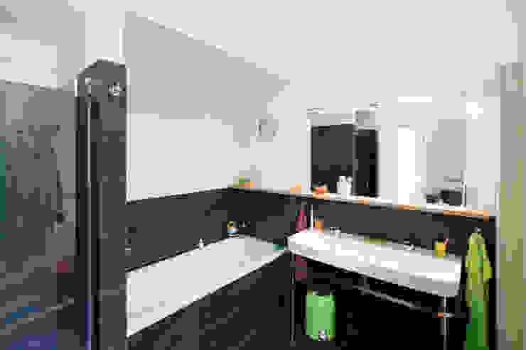Haus Wannsee Klassische Badezimmer von Müllers Büro Klassisch