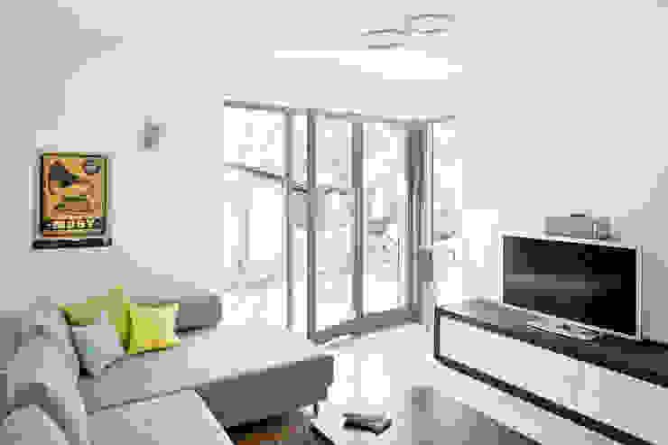 Haus Wannsee Klassische Wohnzimmer von Müllers Büro Klassisch