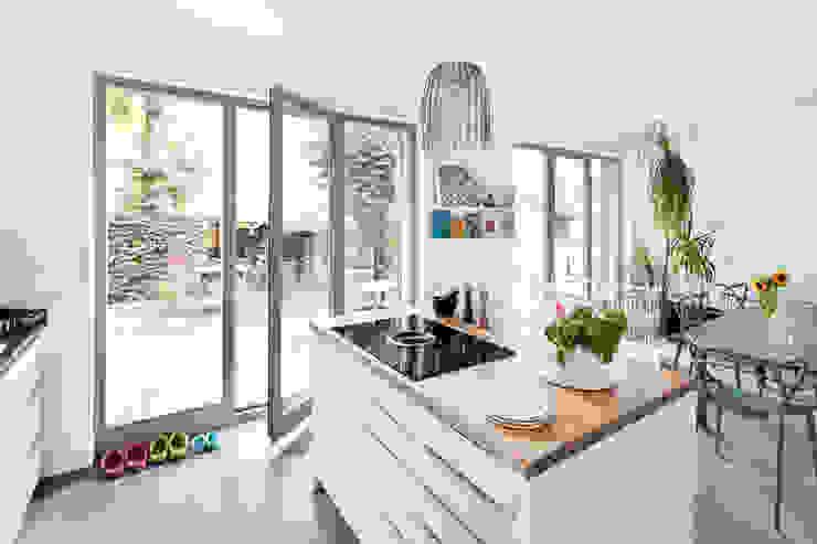 Haus Wannsee Klassische Küchen von Müllers Büro Klassisch