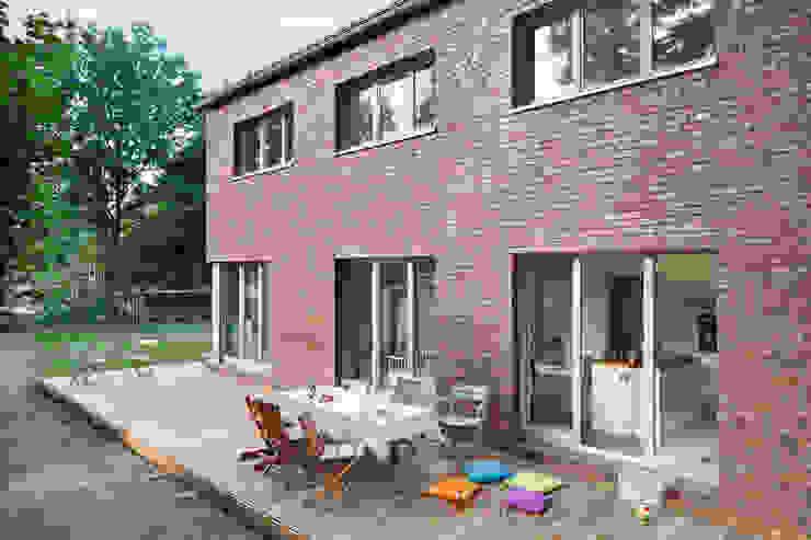 Haus Wannsee Klassische Häuser von Müllers Büro Klassisch