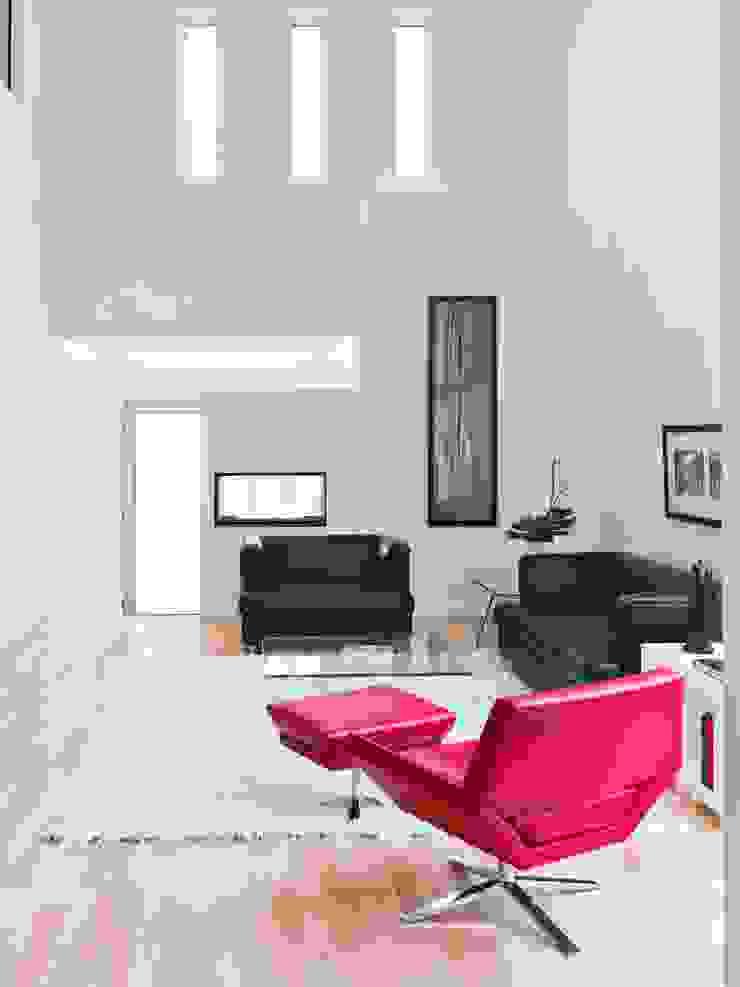 Lighthouse Modern living room by Linebox Studio Modern