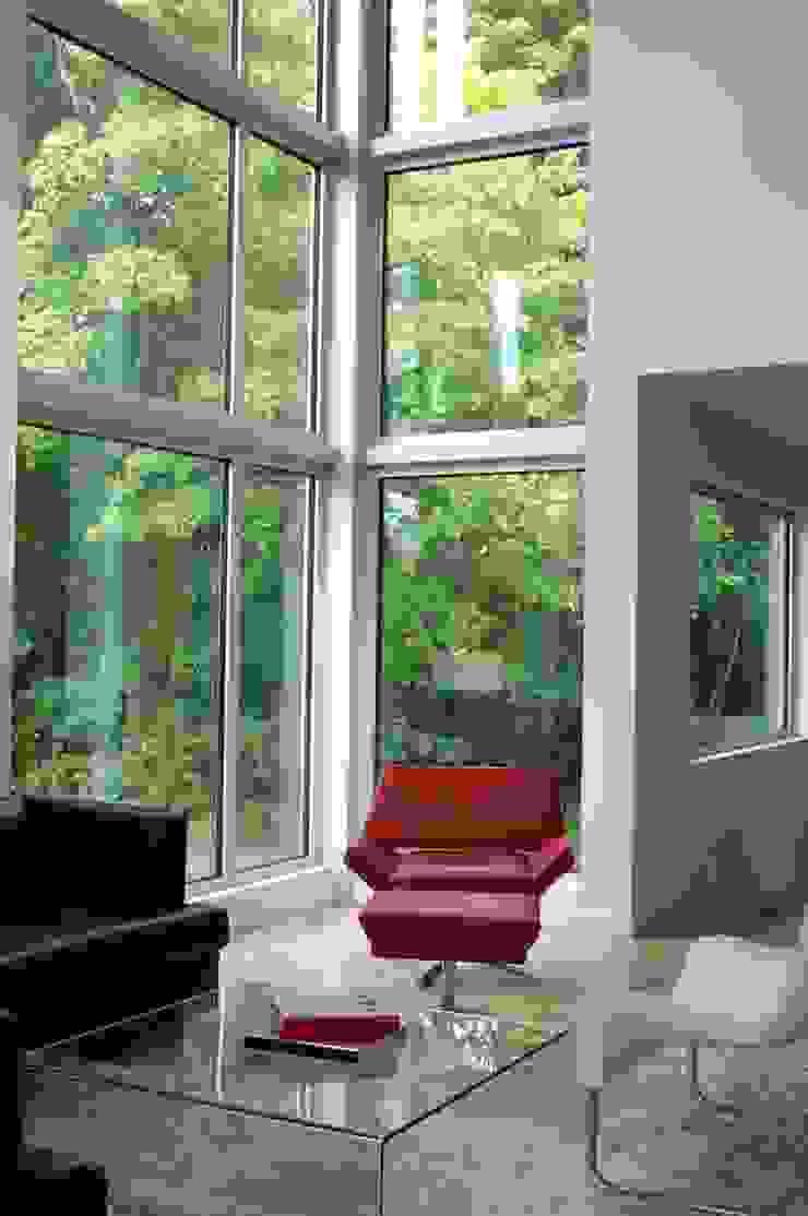 Lighthouse Modern Windows and Doors by Linebox Studio Modern