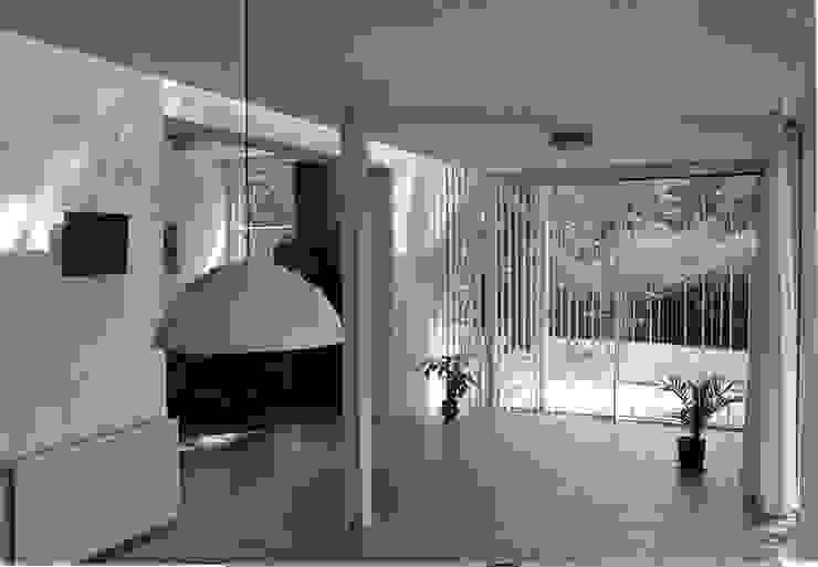 Modern Dining Room by Voets Architectuur en Stedenbouw Modern