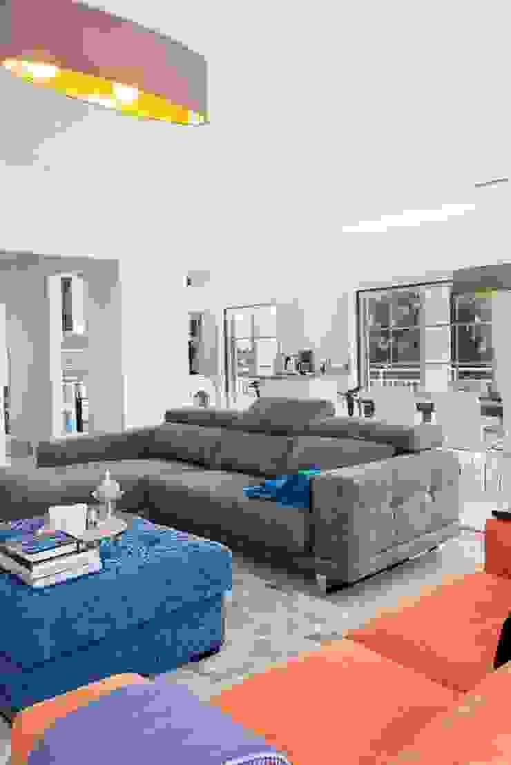 Beach penthouse por WOW Smart Living Escandinavo