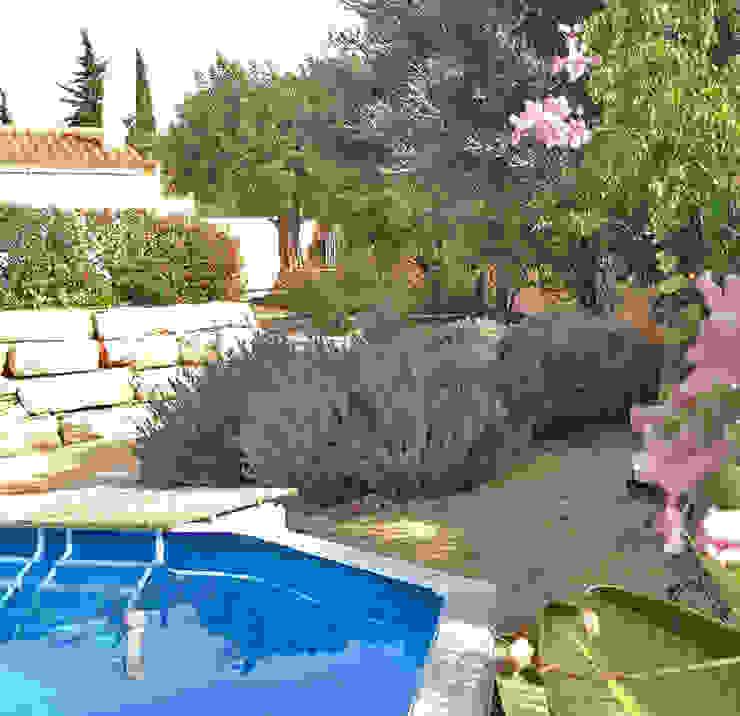 All-inclusive, terraced garden in Portugal Jardins mediterrânicos por WOW Smart Living Mediterrânico