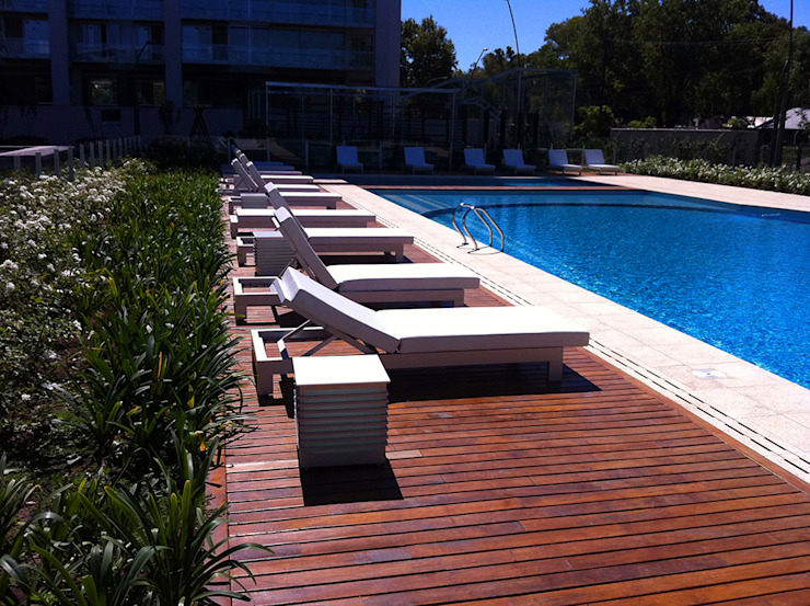Modern pool by VIER ABINET S.A. Pisos & Decks Modern Solid Wood Multicolored