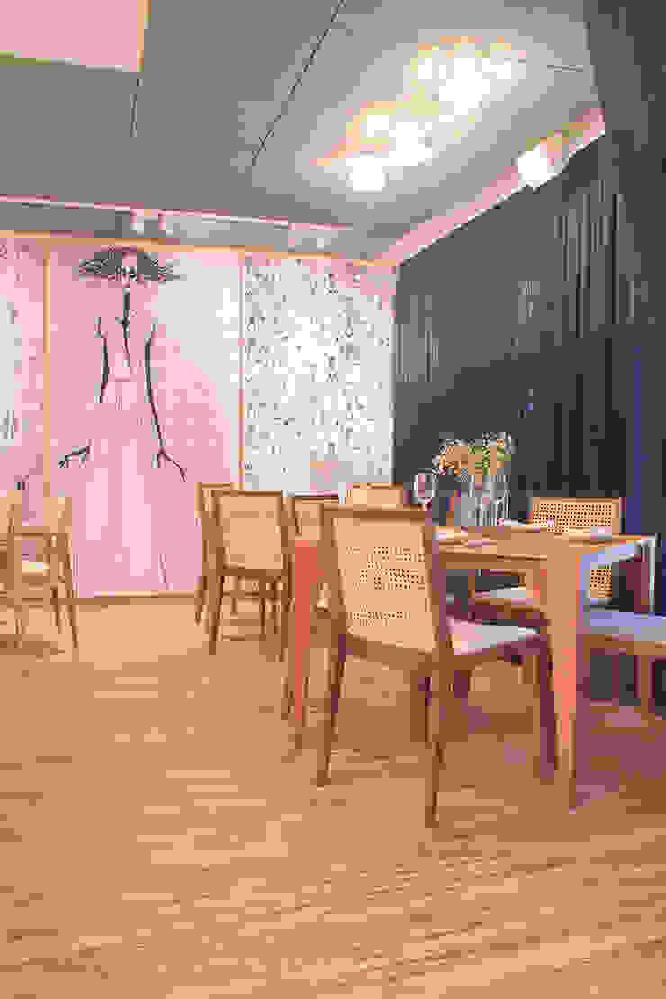 Pisos Flotantes. Eucatex/Eucafloor Brasil Livings modernos: Ideas, imágenes y decoración de VIER ABINET S.A. Pisos & Decks Moderno Derivados de madera Transparente