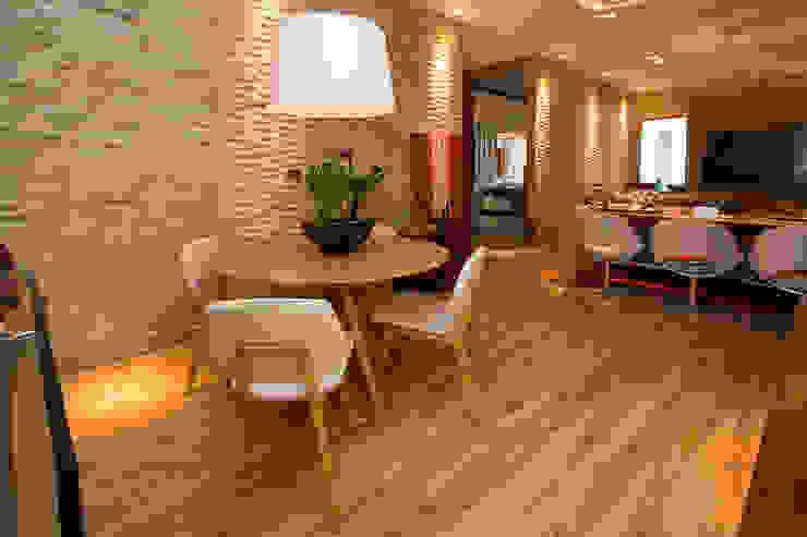 Salones de estilo moderno de VIER ABINET S.A. Pisos & Decks Moderno Derivados de madera Transparente