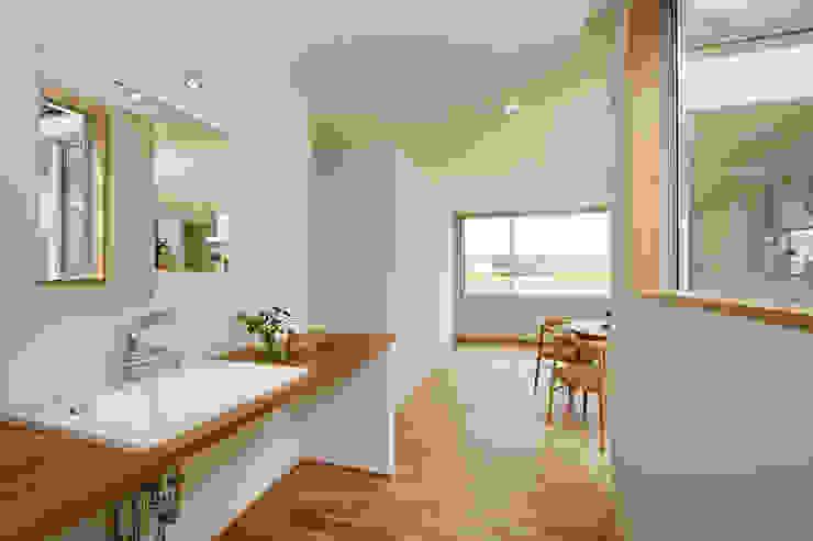 Baños de estilo  por 株式会社kotori