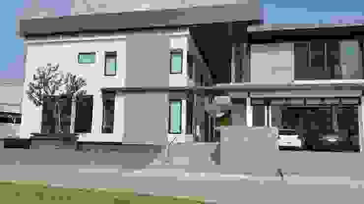 ผลงานสร้างบ้านพักอาศัย 2 ชั้น Modern Style by KL-Cons. โดย บริษัท เค.แอล.คอนสตรัคชั่น แอนด์ ซัพพลาย จำกัด โมเดิร์น