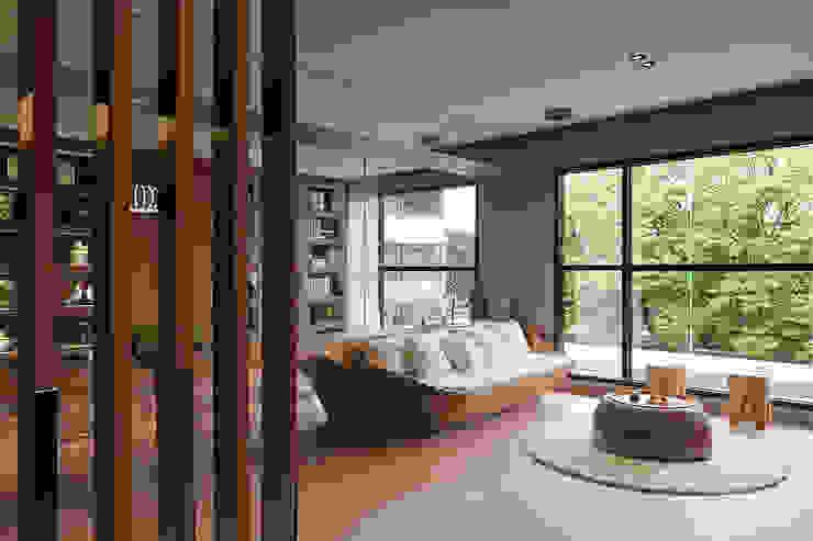 Ruang Keluarga Modern Oleh 形構設計 Morpho-Design Modern