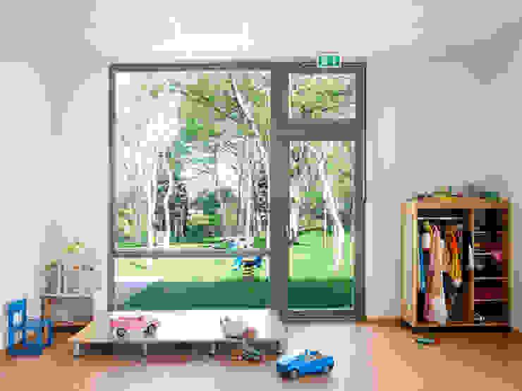 Kommunale Modellbauweise Klassische Arbeitszimmer von Müllers Büro Klassisch