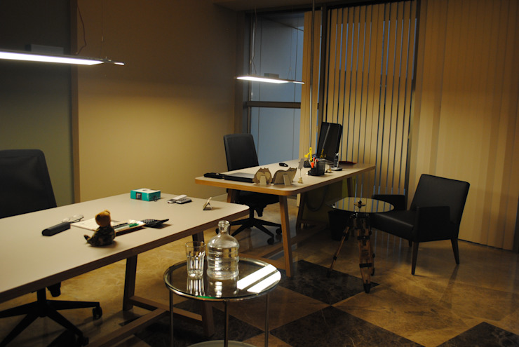 Ziynet Mobilya Dekorasyon San. Tic. Ltd. Şti. – ofis masası: modern tarz , Modern Ahşap Ahşap rengi