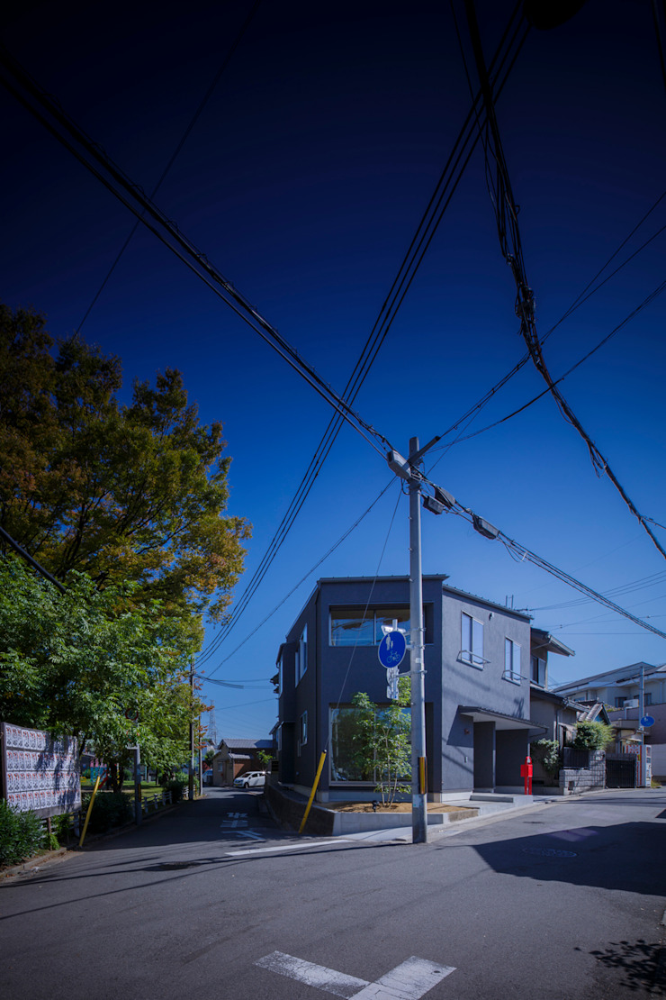 小笠原建築研究室 Modern houses Solid Wood Black