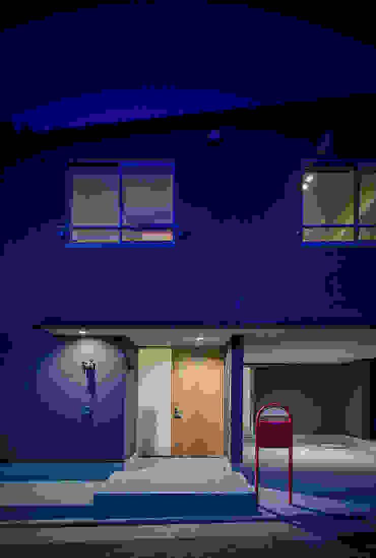 小笠原建築研究室 Modern houses Concrete Black