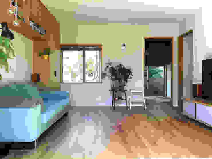 有限会社 アンドウ・アトリエ Eclectic style living room