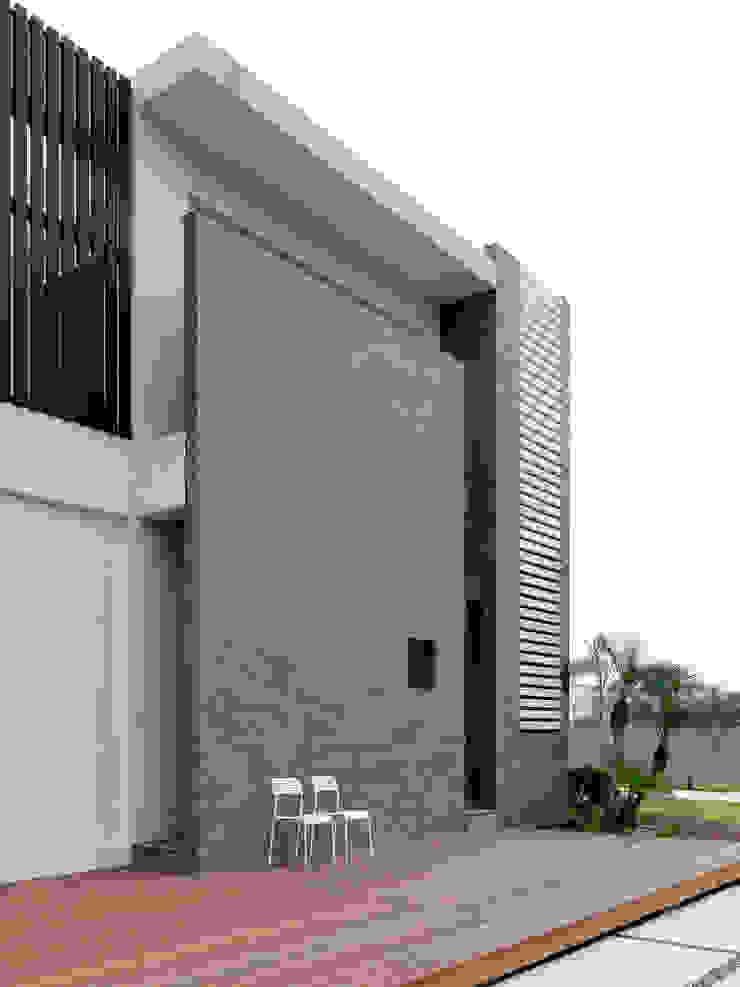 Four season house 現代房屋設計點子、靈感 & 圖片 根據 夏沐森山設計整合 現代風