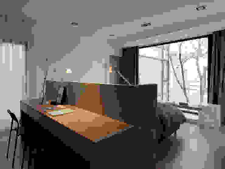 Bedroom by 夏沐森山設計整合,