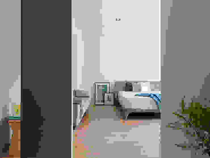 Dormitorios de estilo moderno de 夏沐森山設計整合 Moderno