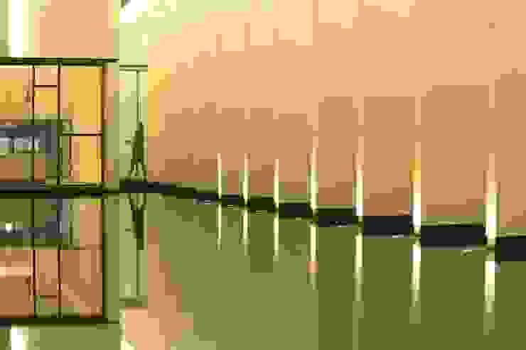 中庭 根據 Arcadian Design 冶鑄設計 現代風