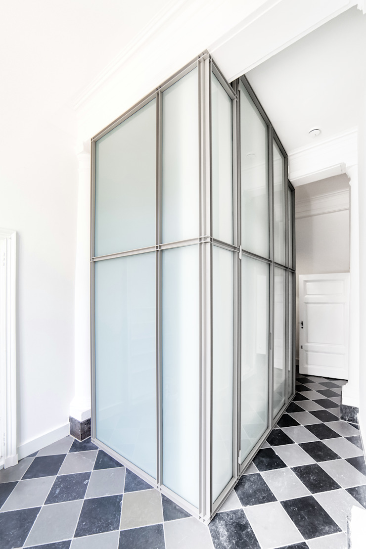 RE-THINKING CONVENT Moderne gangen, hallen & trappenhuizen van ZOOM.INDUSTRIES Modern IJzer / Staal